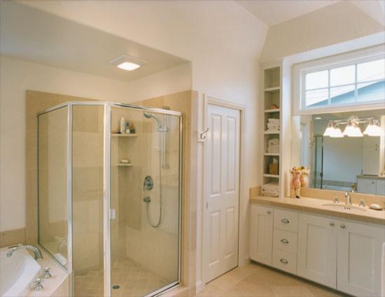 Mahoney Architects & Interiors: Nantucket in California traditional-bathroom