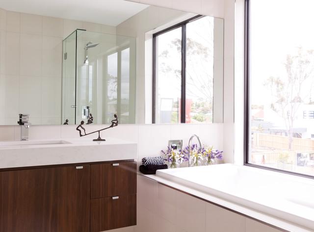 Main Bathroom contemporary-bathroom
