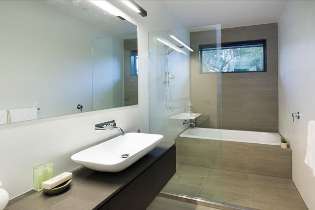 Maleela contemporary-bathroom