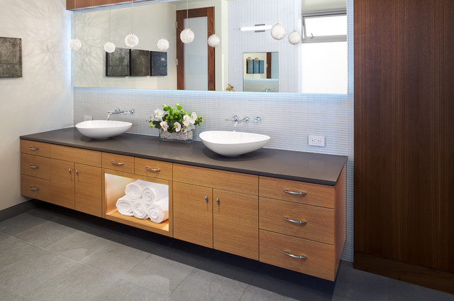 Manhattan Ave Residence Modern Bathroom