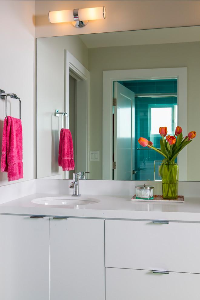 Manhattan Beach Gallery Home - Contemporary - Bathroom ...