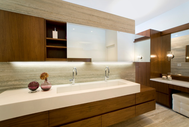 Manhattan Beach Residence contemporary-bathroom