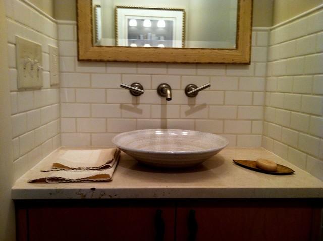 Manhatten, New York modern-bathroom