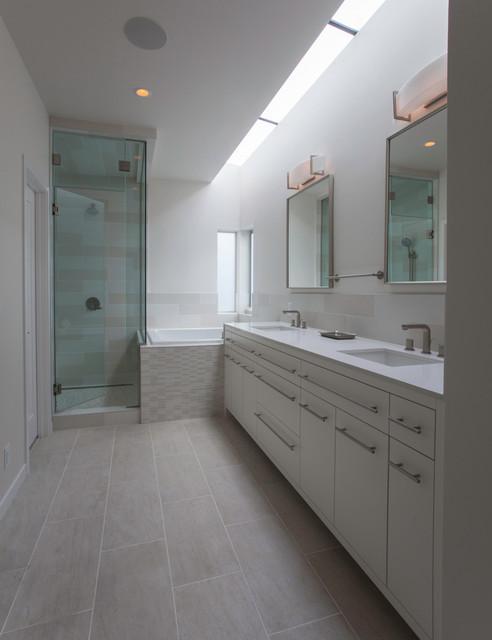 Manica Lake House Contemporary Bathroom Kansas City