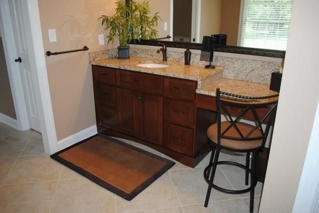 Maple Cabinets Giallo Ornamental Granite Traditional