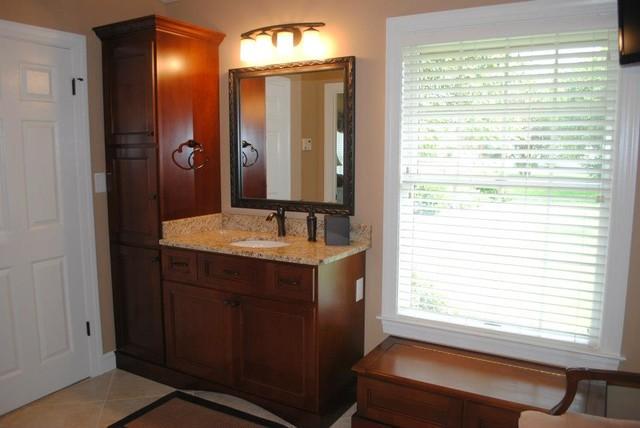 Maple cabinets giallo ornamental granite porcelain tile