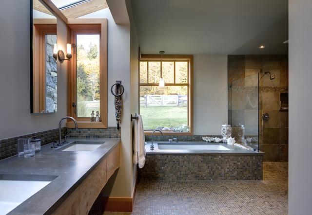 Doornebal Maple Falls traditional-bathroom