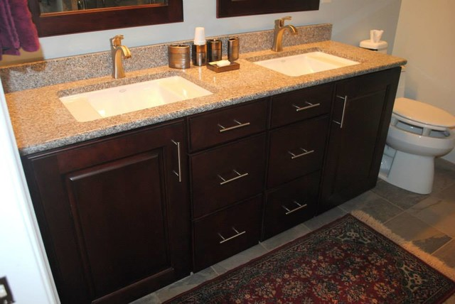 Maple Thomas Vanity In Cranberry Stain And Bainbrook Brown