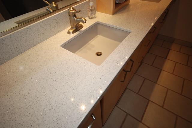 Ordinaire Maple/Whitney Bath Contemporary Bathroom