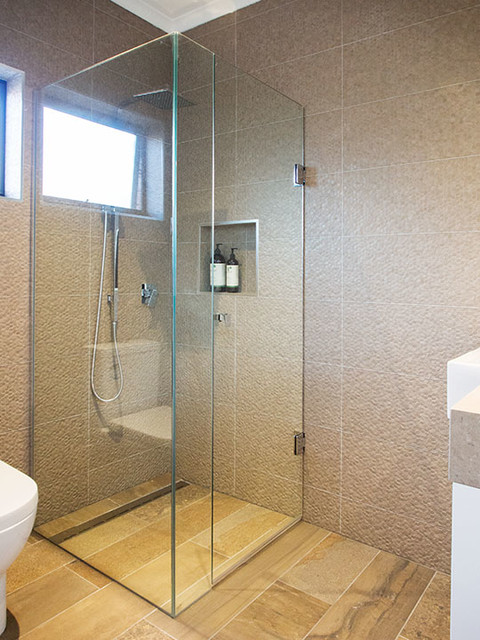 Maribyrnong Kitchen Bathroom Laundry Renovation Tropical Bathroom Melbourne By