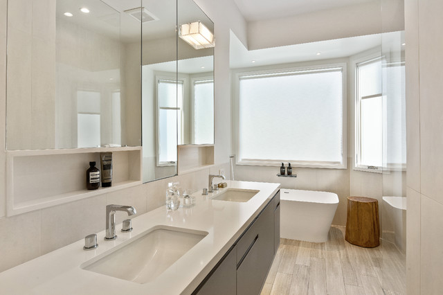 Inspiration for a contemporary bathroom in San Francisco.