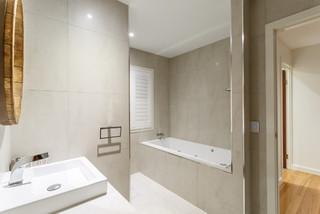Marris Street Residence Bathroom Modern Bathroom Brisbane By Rufus Design Group Pty Ltd