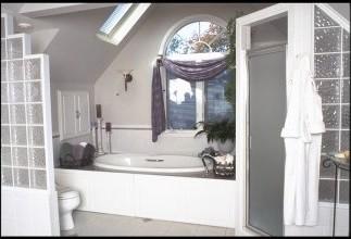 Martin Joseph Design traditional-bathroom