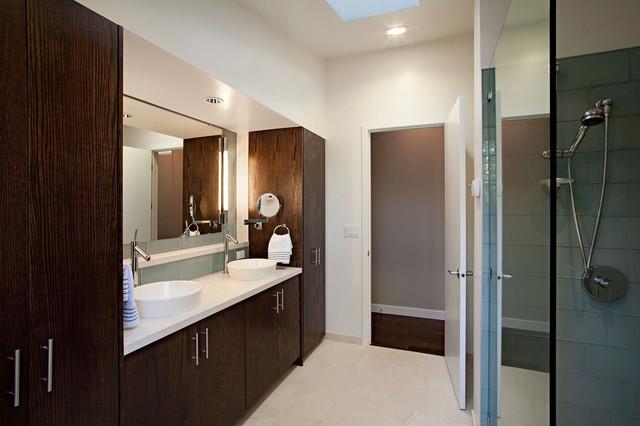 Martis Camp #219 contemporary-bathroom