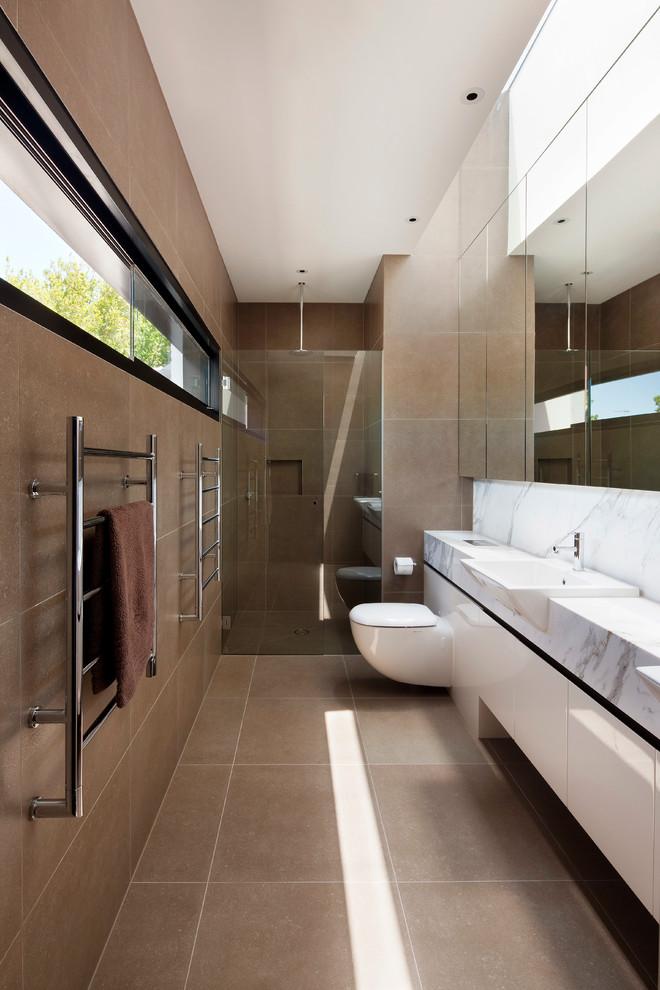 Alcove shower - modern alcove shower idea in Melbourne