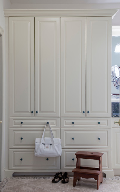 Delicieux Master Bath Armoire Cabinetry In Matte Cream From Ultracraft Traditional  Bathroom