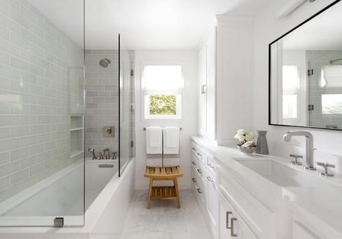 small bathroom looks bigger