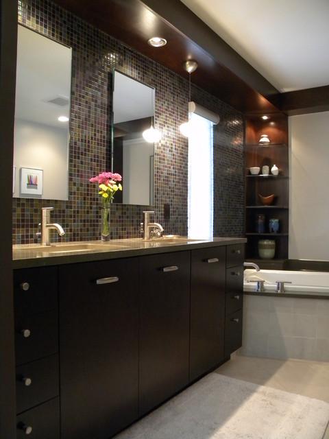 Master bath done right contemporary-bathroom