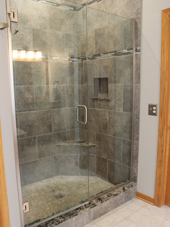 ... Traditional Master Bathroom Design Photos with a Hot Tub and Gray Tile