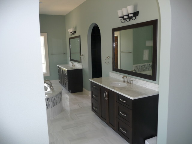 Master Bath His And Her Vanities Traditional Bathroom Other Metro By Oak Park Cabinetry