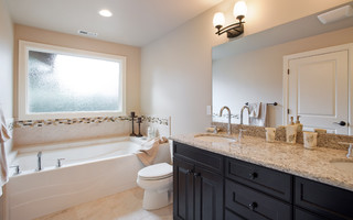 Bathroom Vanities Seattle on Master Bath   Traditional   Bathroom   Seattle   By Lakeville Homes