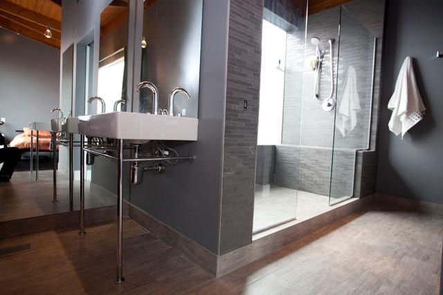 Chicago Bungalow contemporary-bathroom