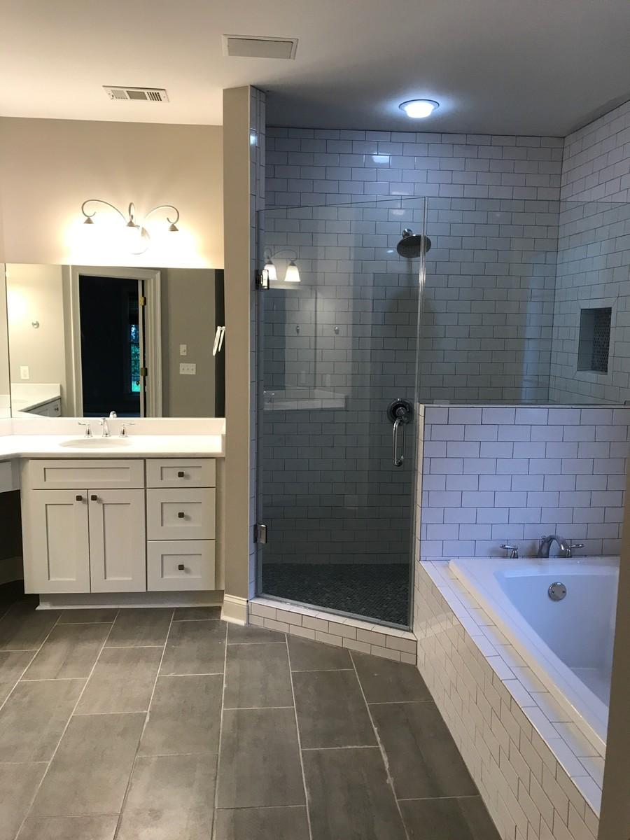 Example of a bathroom design in Atlanta