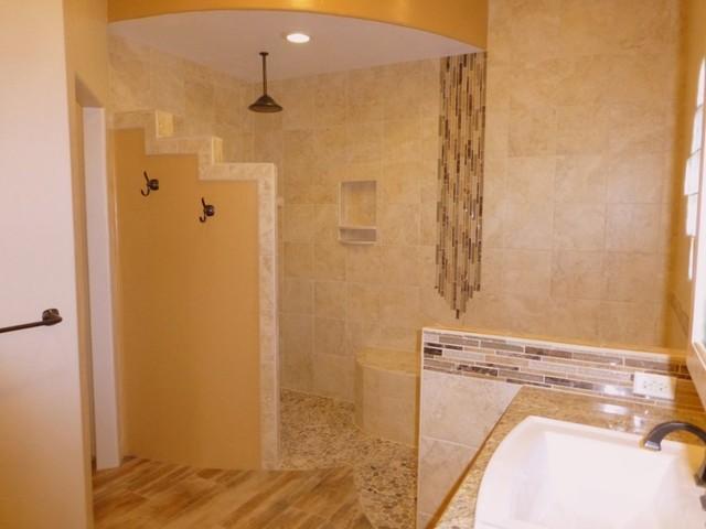 Master bath remodel albuquerque von floorscapes for Bath remodel albuquerque