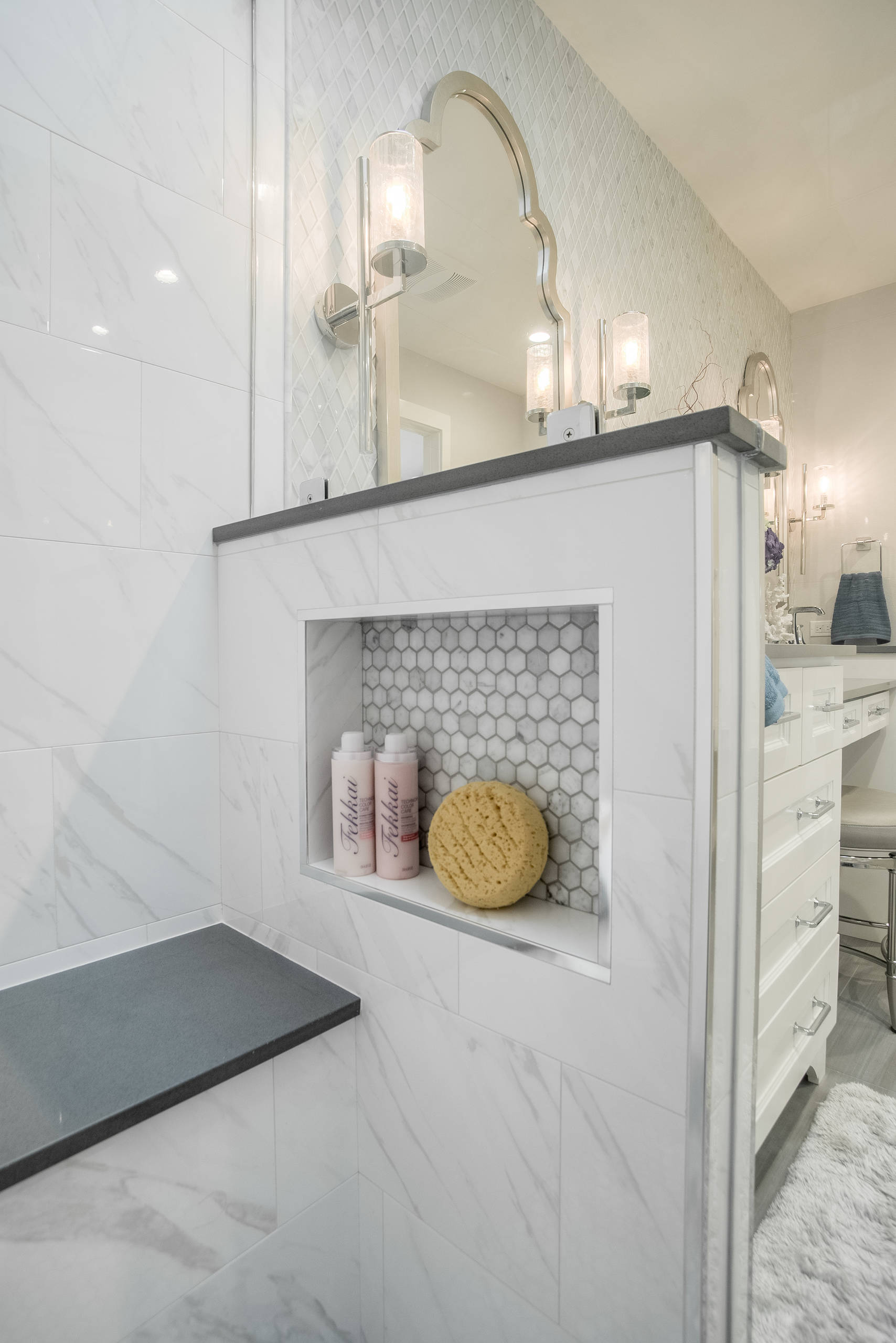 75 Beautiful Marble Tile Bathroom Pictures Ideas December 2020 Houzz