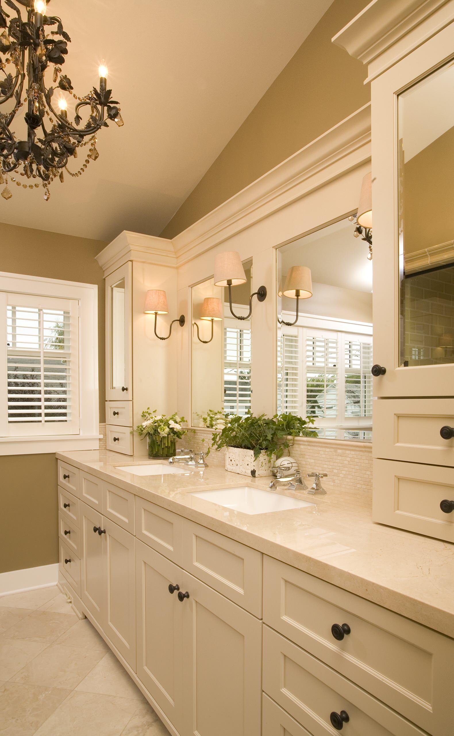 75 Beautiful Travertine Tile Bathroom Pictures Ideas December 2020 Houzz