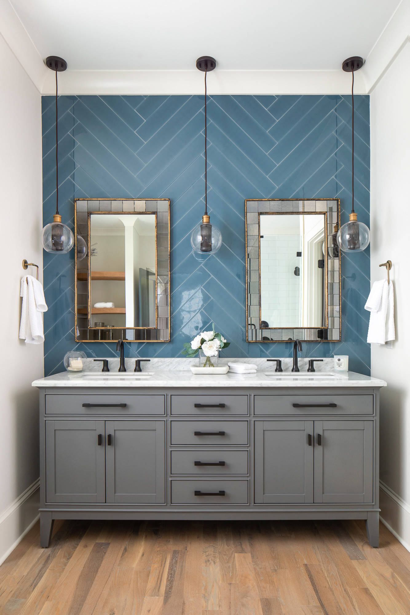 75 Beautiful Transitional Light Wood Floor Bathroom Pictures Ideas February 2021 Houzz