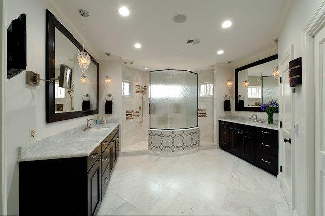Master bath walk through shower separate vanities for Walk through shower to tub