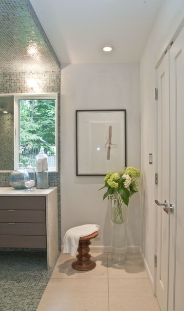 Master Bath With Extra Large Floor Flower Vase And Small
