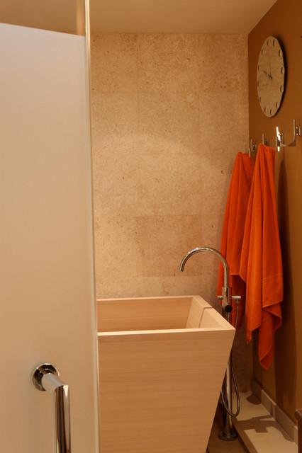 Master Bath With Japanese Hinoki Wood Soaking Tub