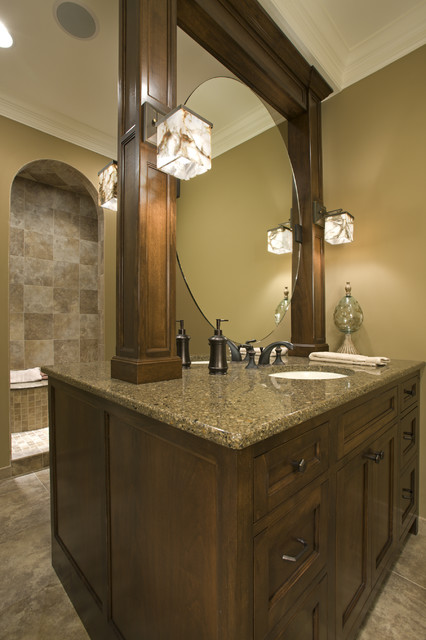 Master Bath With Two Sided Vanity Traditional Bathroom