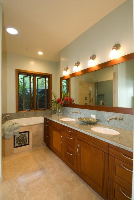 Master bathroom tropical-bathroom