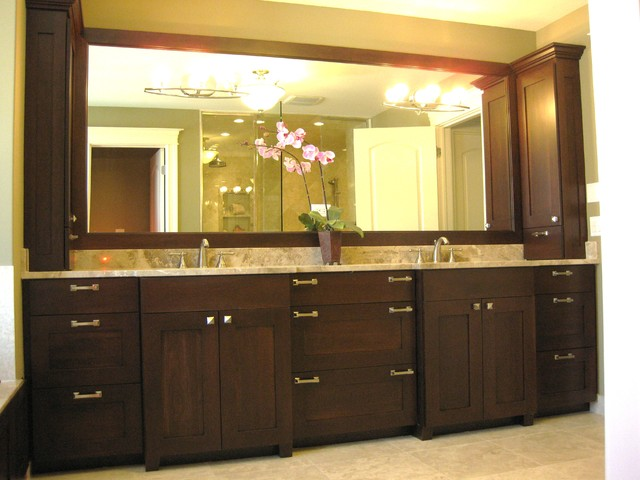 Master bathroom double vanity traditional bathroom chicago by follyn builders developers for Pictures of bathrooms with double sinks