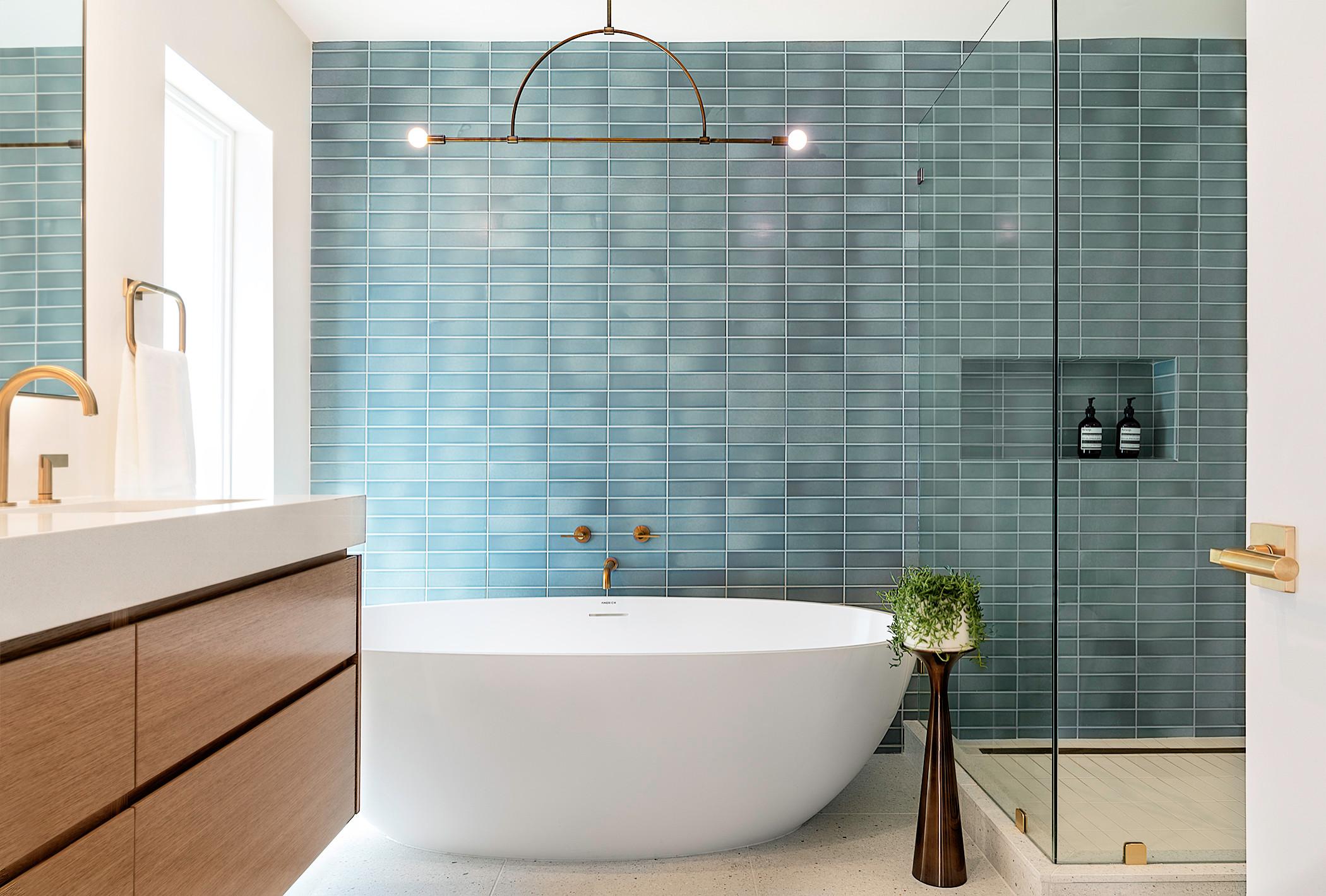 20+ Badezimmer mit blauen Fliesen Ideen & Bilder   September 20 ...
