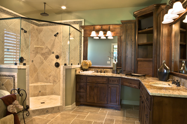 Master bathroom for Master bathroom cabinet designs