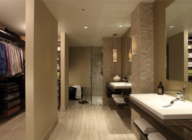 Beau Example Of A Trendy Beige Tile And Glass Tile Travertine Floor Walk In  Shower Design