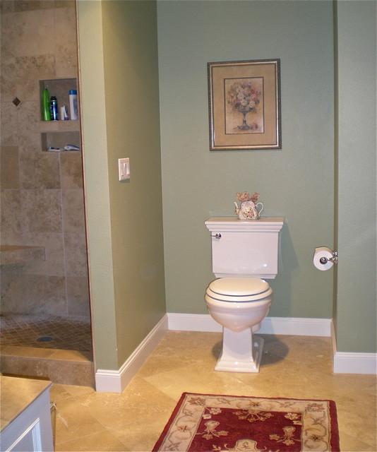 Master Bathroom W/Travertine Tile & Vintage Style Fixtures