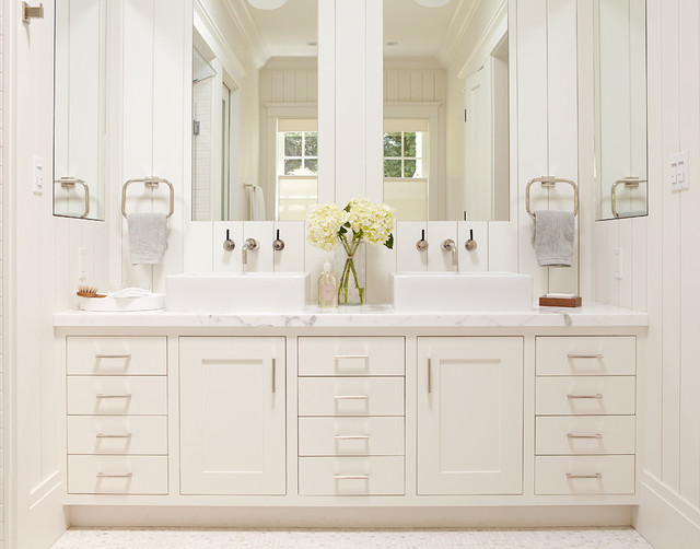 Master bathroom white vanity with two sinks and large for Master bath vanities pictures