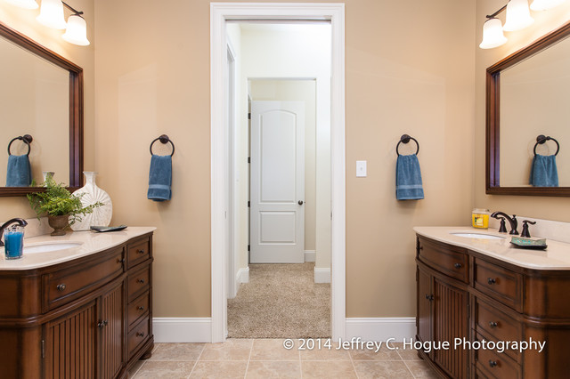 Master bathroom w his and hers separate vanities for Master bathroom his and hers