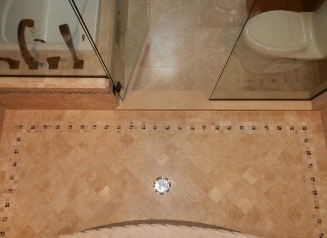 MASTER BATHROOMS mediterranean-bathroom