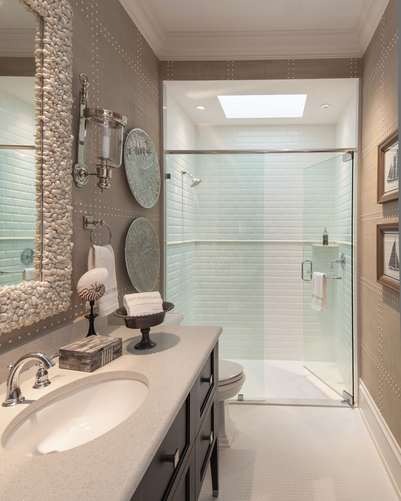 Example of a trendy alcove shower design in Tampa