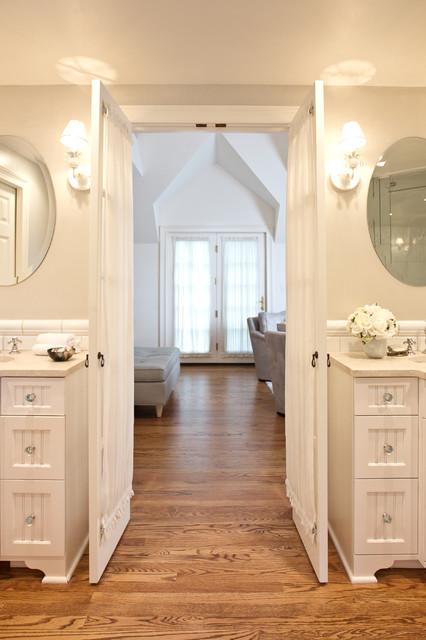 MASTER BEDROOM/BATH SUITE traditional-bathroom