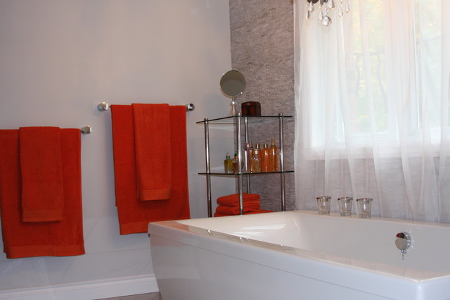 Master en suite contemporary bathroom montreal by for Bathroom design montreal