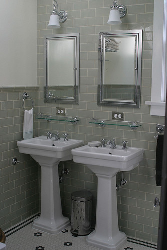 Tiling Walls Partially Or Fully
