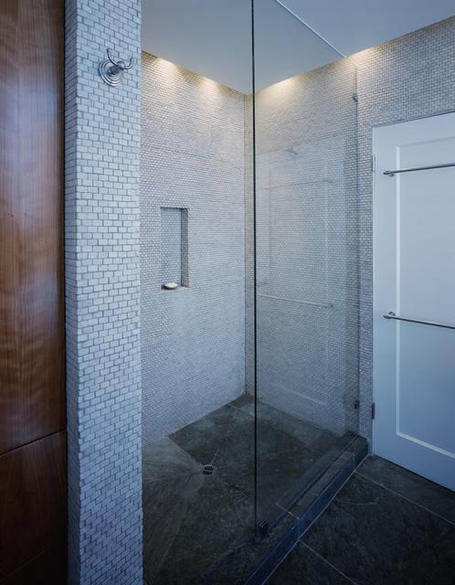 McCann modern-bathroom