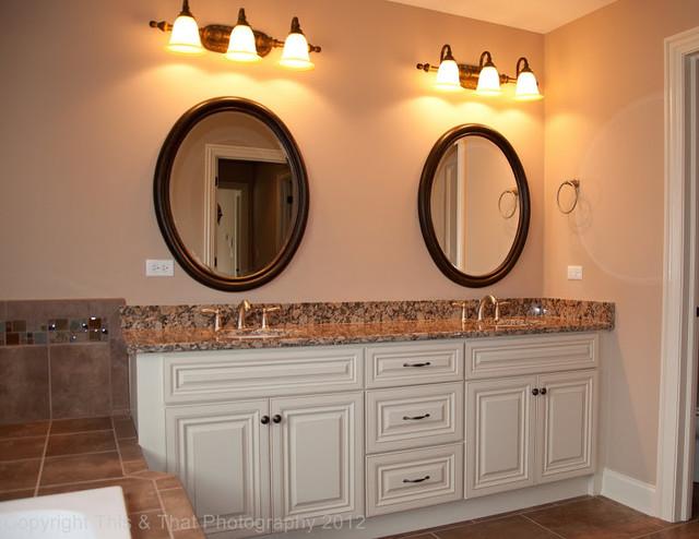 McNaughton Renaissance traditional-bathroom